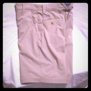 Columbia PFG kaki shorts 88 polyester 12 elastane